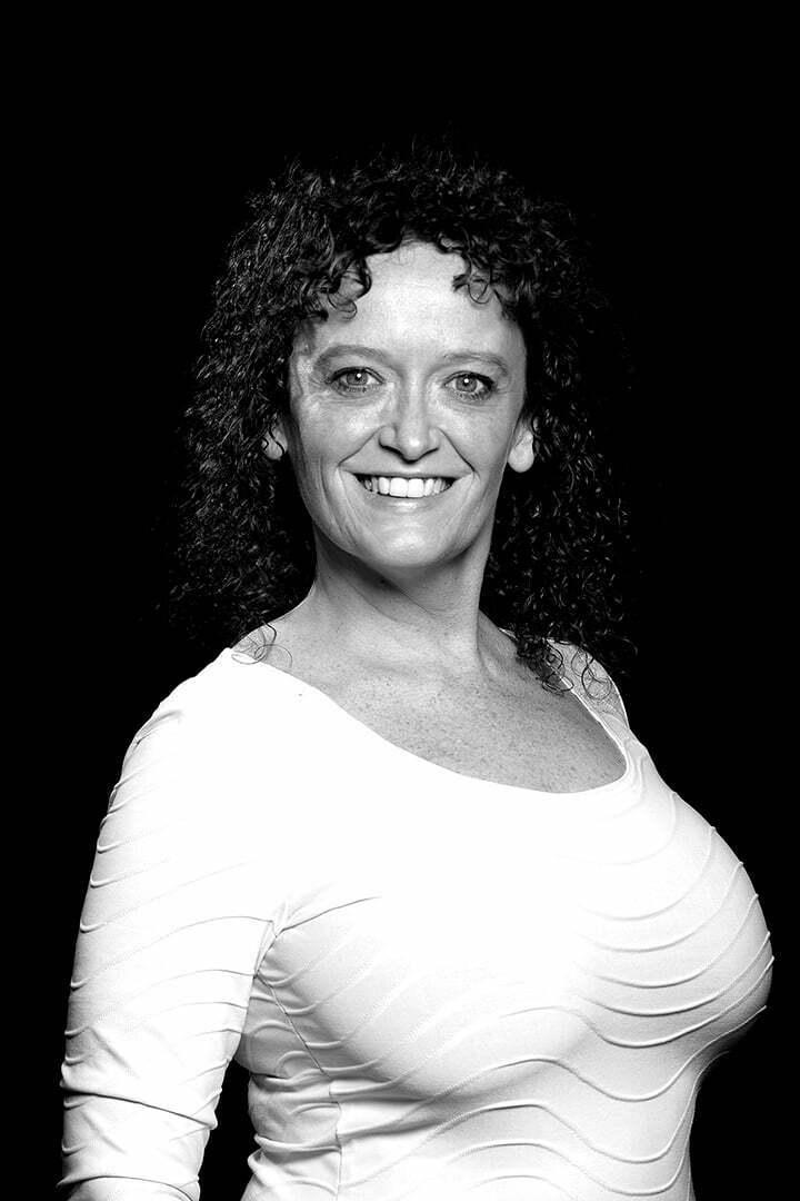 Nelia Amaro<br/>- Ensemble -